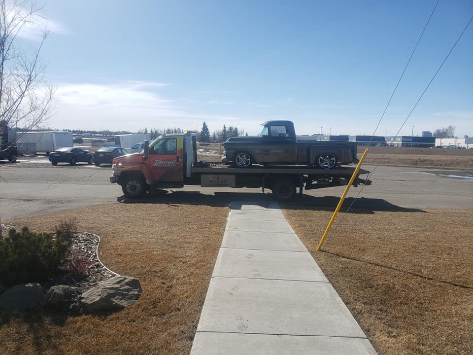 tow-truck-calgary Specialized Services